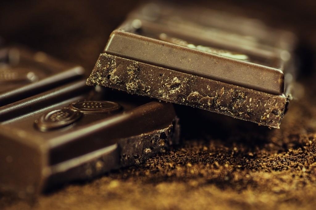 Bitterschokolade (Low Carb = möglichst dunkel)