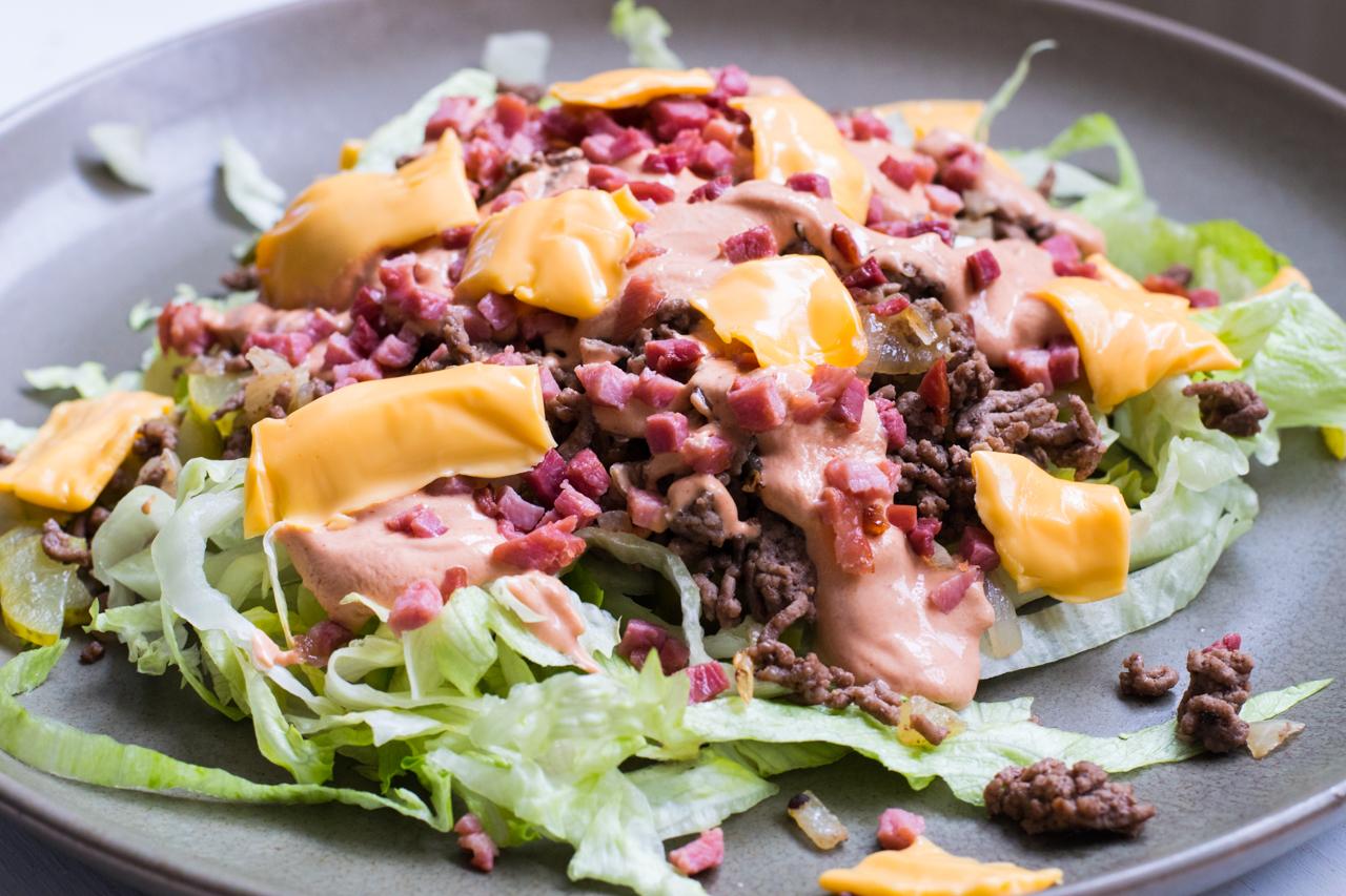 low carb big mac salat rezept super lecker und einfach. Black Bedroom Furniture Sets. Home Design Ideas