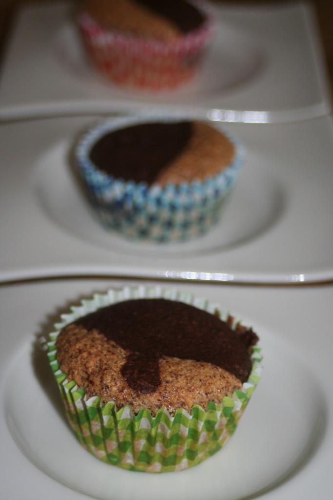 Low Carb Muffins schwarz-weiß fertig