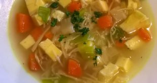Hühnersuppe Low Carb