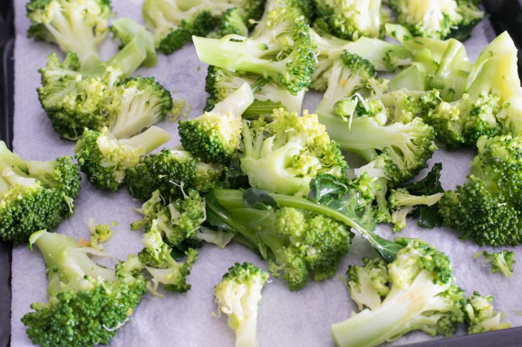 Brokkoli abtupfen