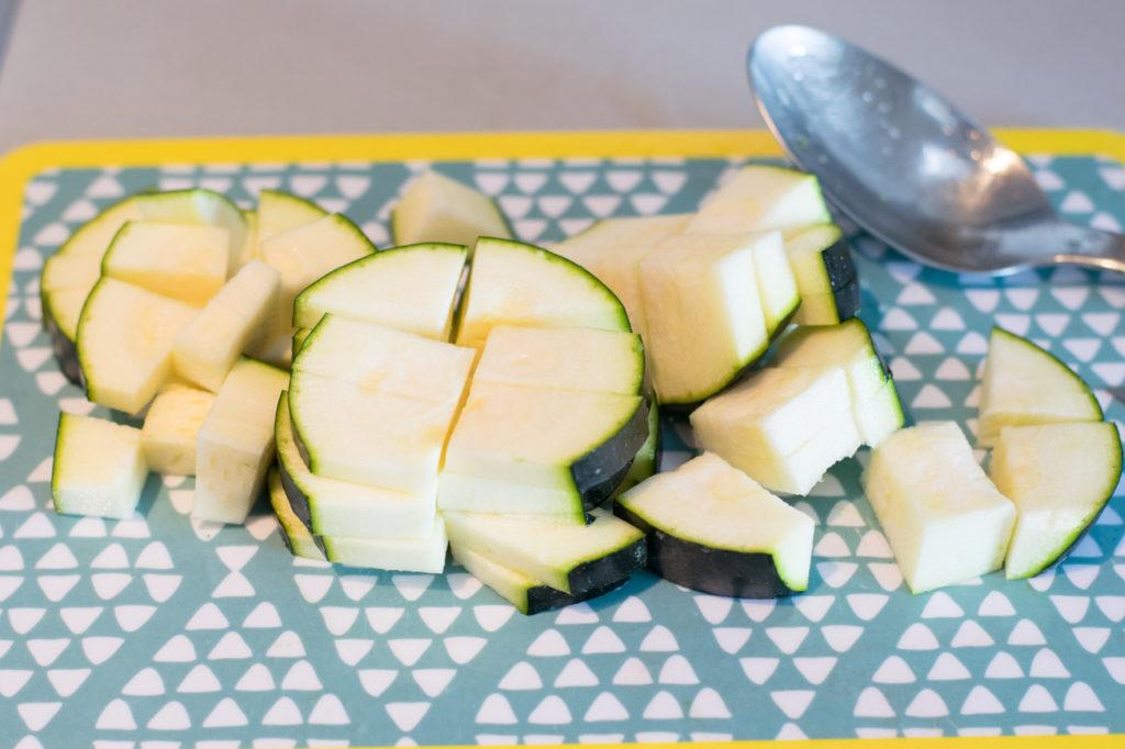 Zucchini kleinschneiden
