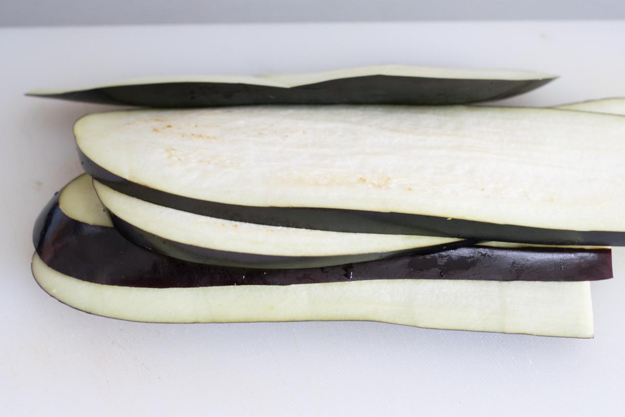 berbackene low carb auberginen cannelloni mit bolognese. Black Bedroom Furniture Sets. Home Design Ideas