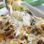 Leckerer Low Carb Broccoli Cheese Auflauf mit Feta & Mandeln