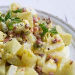 Köstlicher falscher Low Carb Kartoffelsalat mit Speck