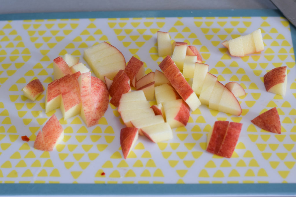 Apfel kleinschneiden