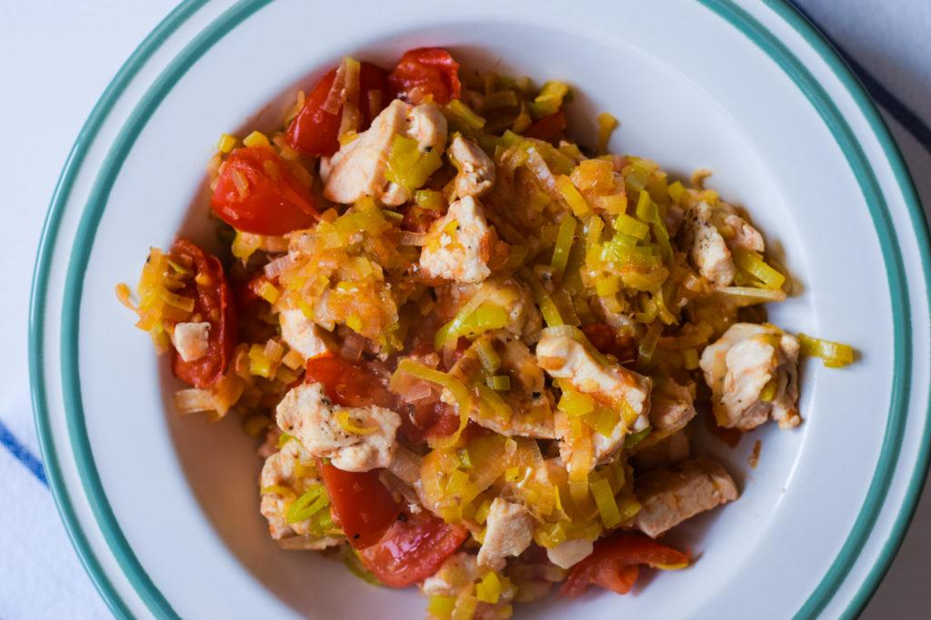 Low Carb Lauch Tomaten Pfanne Servieren