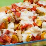 Low Carb Mozzarella Paprika Auflauf mit saftigen Hähnchen Stückchen