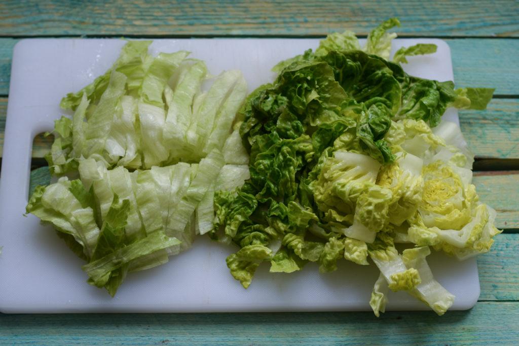 Salat kleinschneiden