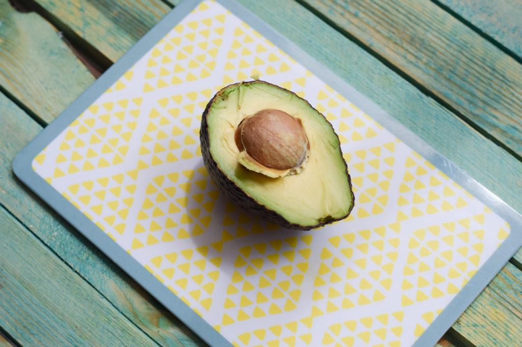 Avocado aufschneiden