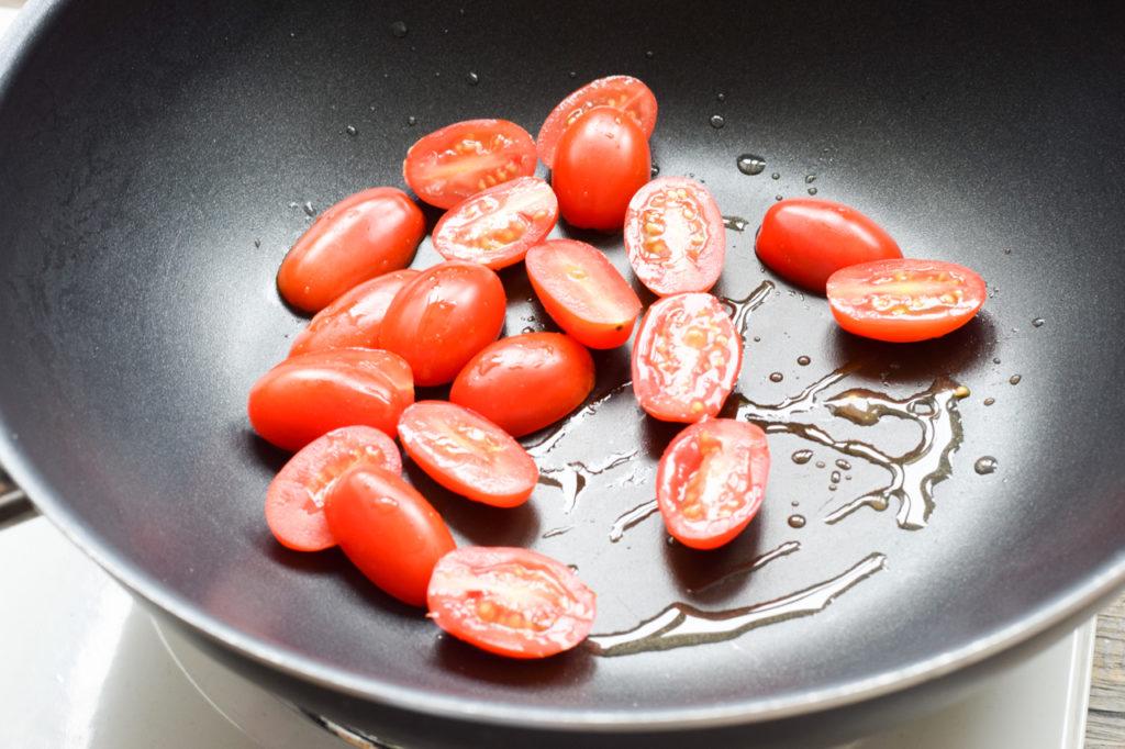 Tomaten anbraten