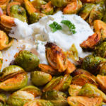 Deftige Low Carb Rosenkohl Wedges mit Sour Cream