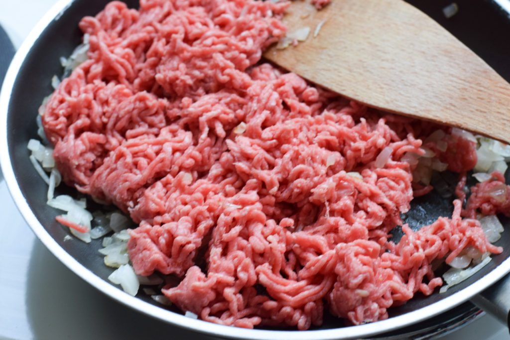 Hackfleisch dazugeben