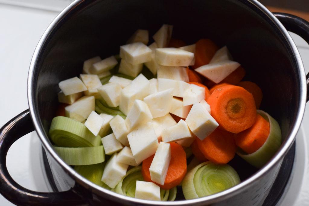 Das restliche Gemüse anbraten