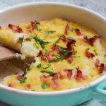 Cremiger Low Carb Blumenkohl-Käse-Auflauf mit Schinken