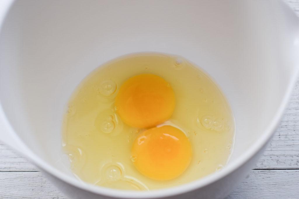 Eier aufschlagen