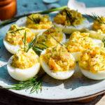 Gefüllte Low Carb Teufels-Eier mit Räucherlachs-Creme